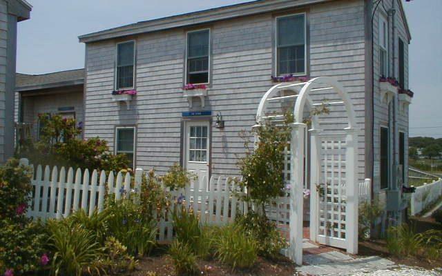 YW166 - Summer rental