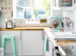 1 pastel-interiors-kitchen-appliances