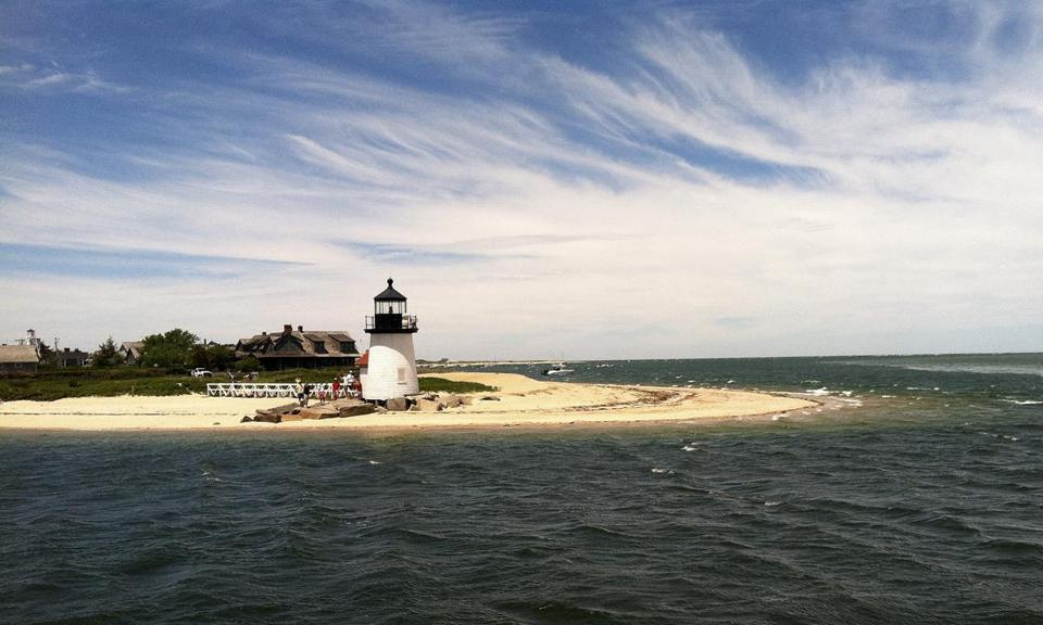 Nantucket Or Martha S Vineyard What S Your Island Style